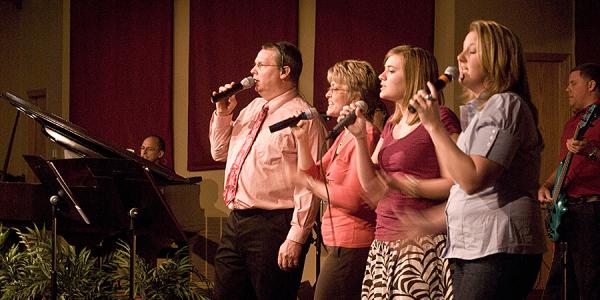 Michael English at Trinity Community Fellowship, praiser singers before concert